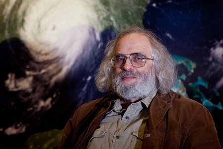 NOAA researcher earns international honor for discoveries on the role of atmospheric water vapor in climate change